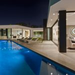 NEW PAUL McCLEAN BOOK SHOWCASES LOS ANGELES' STUNNING MODERNIST HOMES