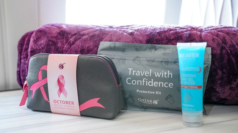 Qatar Airways Kit-Cancer Awarness - ALO magazine