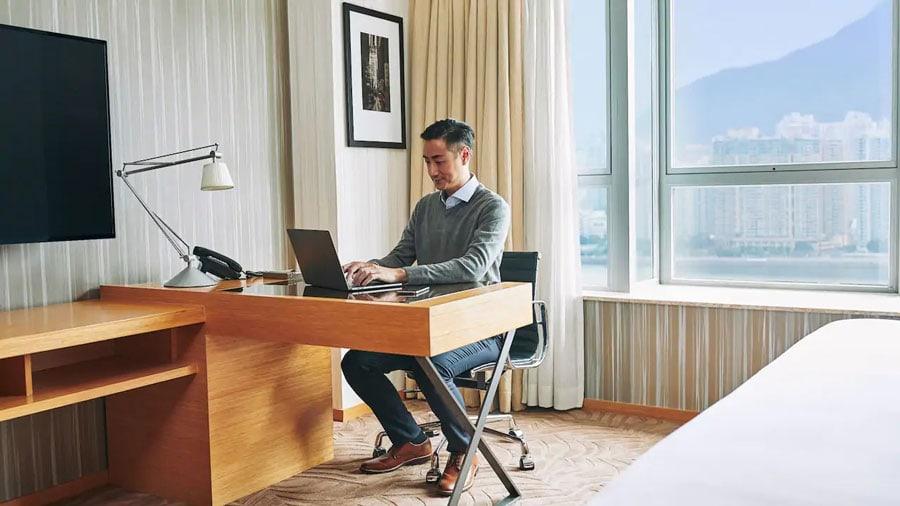 Hyatt Business Traveler -ALO magazine