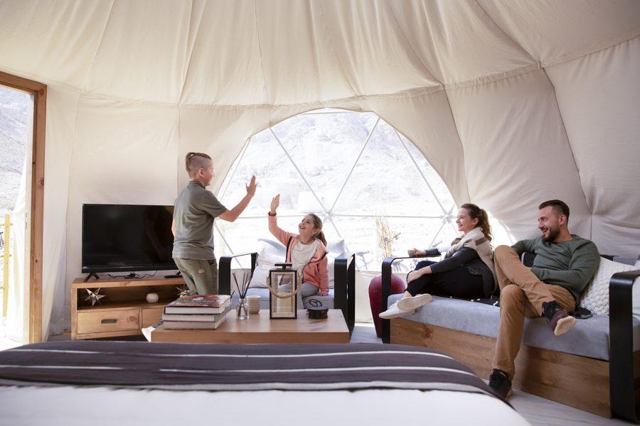 Jebel-Hafit-Desert-Inside Buble tent - ALO Magazine